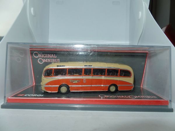 Corgi OOC 40305 Leyland  Burlingham Seagull Bus Coach Yelloways Rochdale MIMB